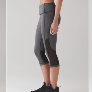 "Lululemon Gear Up Crop (17"") Heathered Grey 4"